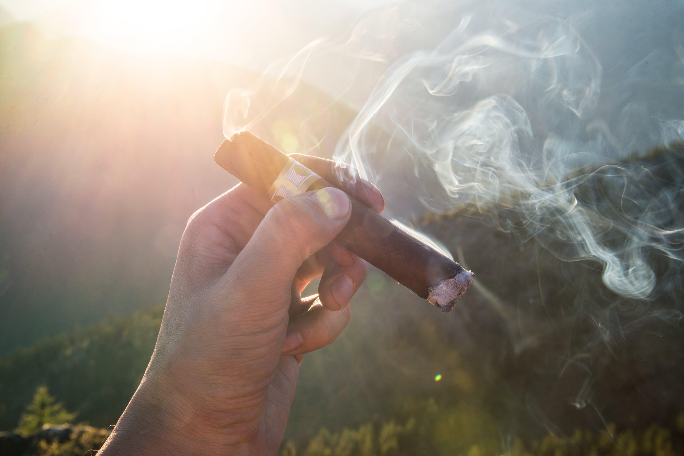 hoe rook je een sigaar